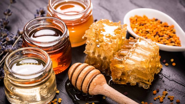The Health Benefits of Honey in Home Remedies